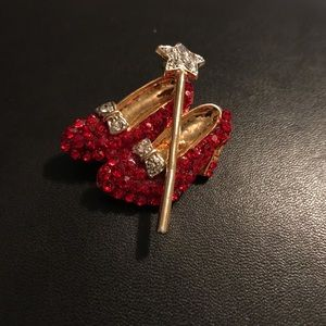 Vintage || Ruby Slippers pin